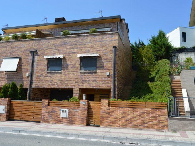 venta casa con jardín Pamplona