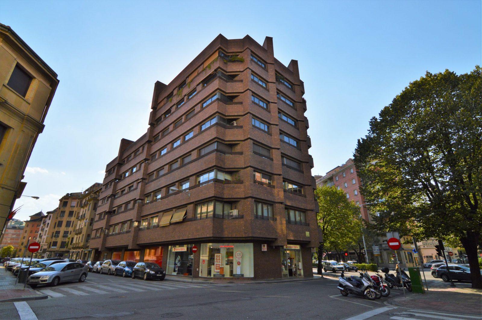 Plaza de garaje Avenida de la Baja Navarra, 2, St. 2, Nº 15